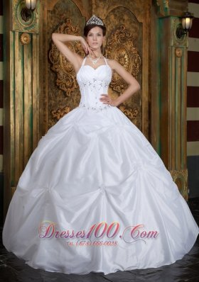 2013 Cheap White Halter Beading Taffeta Quinceanera Dress