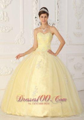 Light Yellow Sweet 16 Dress Appliques Sweetheart Floor-length