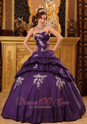 Trendy Purple Bead Appliques Sweetheart Quinceanea Dress