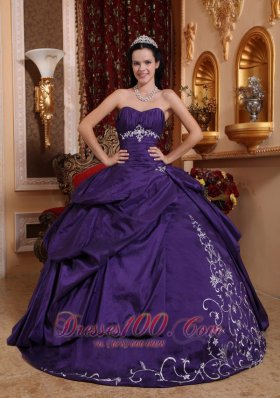 Elegant Sweetheart Taffeta Purple Quinceanera Dress