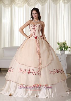Sweetheart Champagne Organza Embroidery Quinceanera Dress