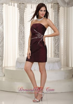 Column Strapless Mini Beading Burgundy Cocktail Dress