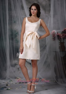Off White Column Scoop Straps Mini Bow Prom Dress