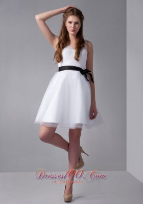 White V-neck Mini Tulle and Taffeta Bow Prom Dress