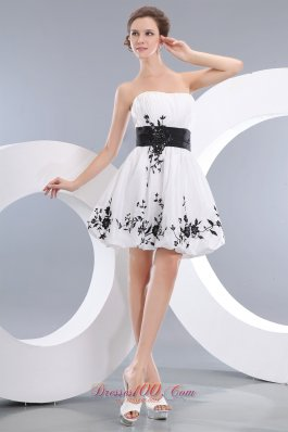 Mini-length White Homecoming Dress with Appliques