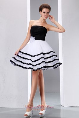 Black and White Beach Bridal Graduation Dress Knee-length Swirl Dance