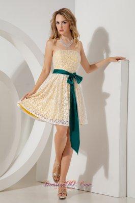 Yellow Mini-length Homecoming Dress Lace Sashed