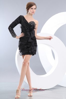 Long Sleeve Mini-length Black Homecoming Dress Ruffles