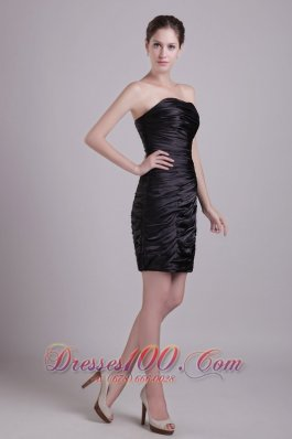 Sexy Ruched Black Strapless Cocktail Dress Short Taffeta