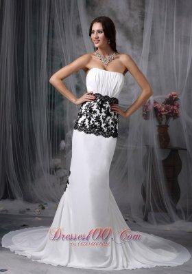 White Trumpet Style Chapel Lace Wedding Dress