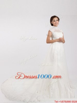 White Short Sleeves With Train Lace Clasp Handle Wedding Gown