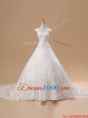 Affordable V-neck Short Sleeves Bridal Gown Chapel Train Lace and Appliques White Tulle and Lace