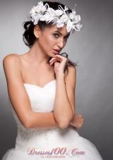 White Hand Made Flowers Taffeta Wedding Wreath