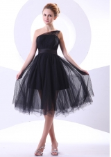 One Shoulder Black Tulle Knee-length Prom Dress