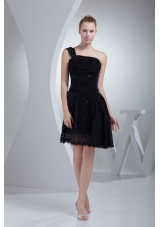 Single Shoulder Black Prom Gown Dress with Ruching and Sequins