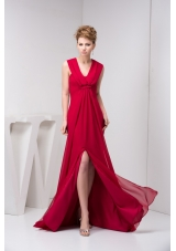 V-neck Ruched Brush Train Prom Evening Dress in Wine Red