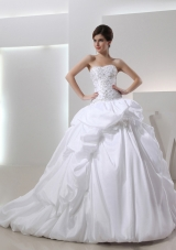 2014 Ball Gown Sweetheart Neck Wedding Dress with Pick-ups and Appliques