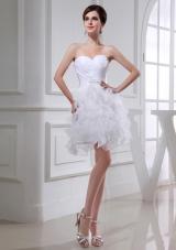 2014Beautiful A-line Sweetheart Organza Ruching Ruffles White Short Wedding Dress