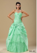Cheap Column Ruching Prom Dress in Apple Green Hand Made Folwers