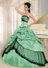 Cheap Colourful Quinceanera Dress with Pick-ups and Appliques