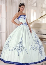 2014 Ball Gown Quinceanera Dress with Strapless Embroidery Satin