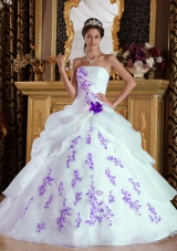 White Princess Strapless Organza Sweet 15 Dresses with Purple Appliques