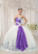 White Puffy Sweetheart Quincenera Dresses with Purple Embroidery