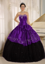Custom Made Beaded and Embroidery Decorate Black and Purple Sweet 16 Dresses