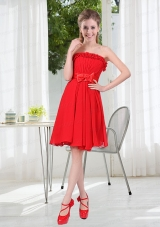 2015 Wonderful Ruching Strapless Bowknot Dama Dresses in Red