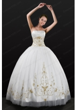 New Style White Strapless 2015 Quinceanera Dress with Beading and Embroidery