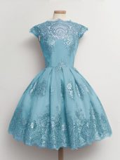 Affordable Scalloped Cap Sleeves Quinceanera Court of Honor Dress Knee Length Lace Aqua Blue Tulle