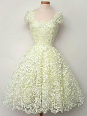 Cap Sleeves Knee Length Lace Lace Up Dama Dress for Quinceanera with Yellow