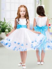 White Tulle Zipper Scoop Sleeveless Knee Length Flower Girl Dresses for Less Appliques and Belt