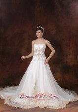 Gorgeous Embroidery Strapless Taffeta Wedding Dress