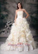 Romantic Strapless Organza Hand Made Flower Bridal Dresses