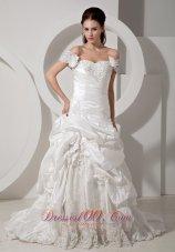 Groovy Off Shoulder Taffeta Appliques Wedding Dress