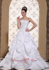 Pick-ups Embroidery Taffeta Strapless Wedding Gown