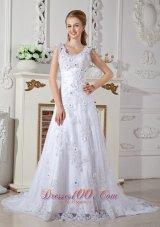 Discount A-line Scoop Lace Garden Wedding Dress Appliques