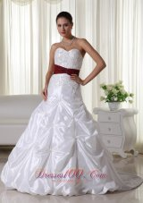 Appliques Wedding Ball Gowns Colored Sweetheart Chapel Train