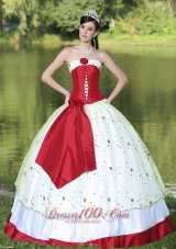 Flower Decorate Strapless Quinceanera Dress Neckline White Satin
