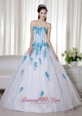 White Ball Gown Sweetheart Appliques Sweet 16 Dresses