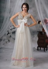 Elegant White Prom Holiday Gown V-neck Beaded Tulle