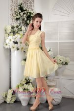 One Shoulder Yellow Ruched Short Bridesmaid Dama Dress