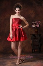 Bowknot A-Line Red Mini-length Strapless Bridesmaid Dress