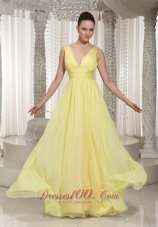 V-neck Light Yellow Chiffon Prom Homecoming Dress