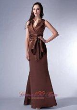 Brown Cloumn V-neck Bridesmaid Dress Satin Ruch