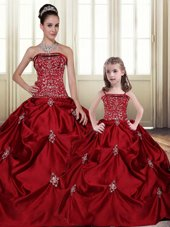 Trendy Sleeveless Taffeta Floor Length Lace Up Quince Ball Gowns in Wine Red for with Embroidery and Pick Ups