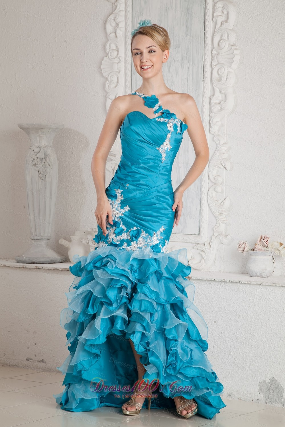 http://static.dresses1000.com/images/v/B3S50/prom-dresses-2013-union16t60345-1.jpg
